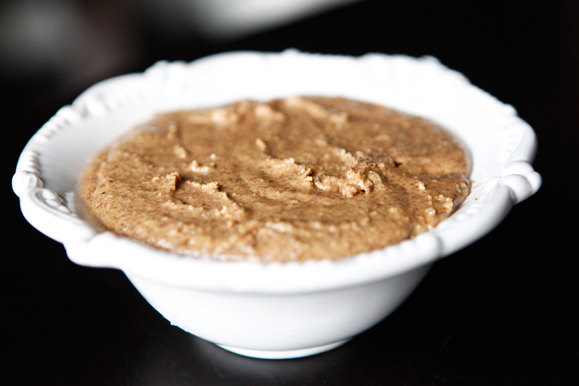 How to Make Homemade Creamy Almond Butter!