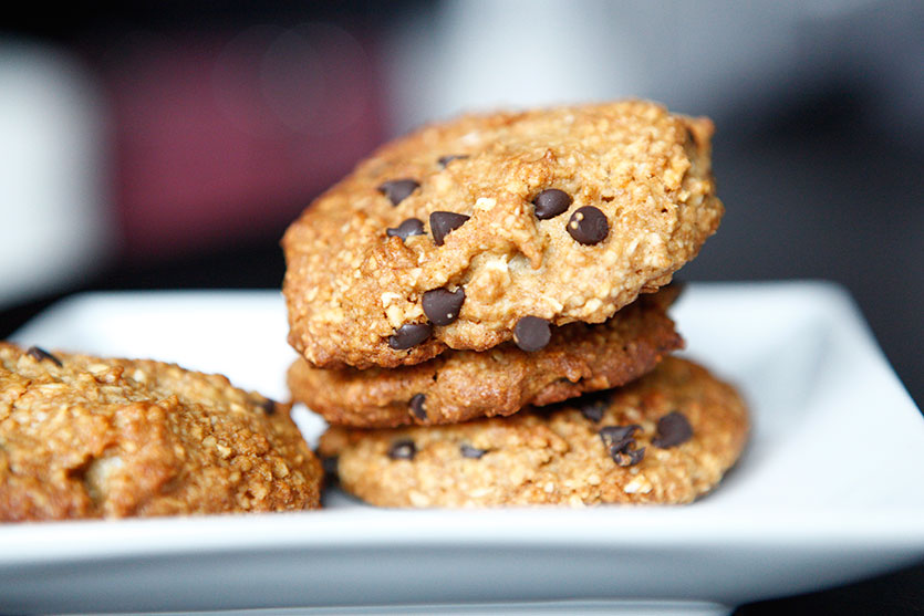 Chocolate Chip 'n' Macadamia Nut Cookies, a Paleo recipe!