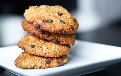 Chocolate Chip 'n' Macadamia Nut Cookies, a Paleo recipe!