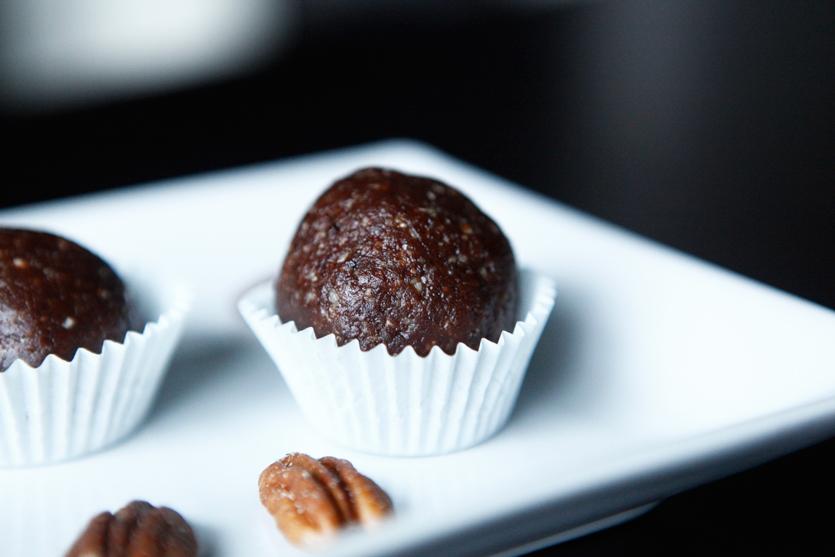 Holiday Truffles, a Paleo recipe!