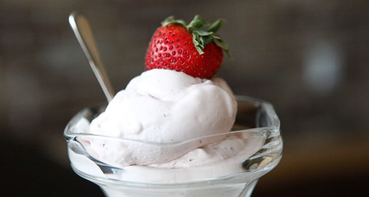 Paleo Berries 'n' Cream Ice-Cream recipe!