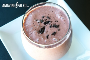 Paleo Cocoa Recovery Smoothie by Amazing Paleo!