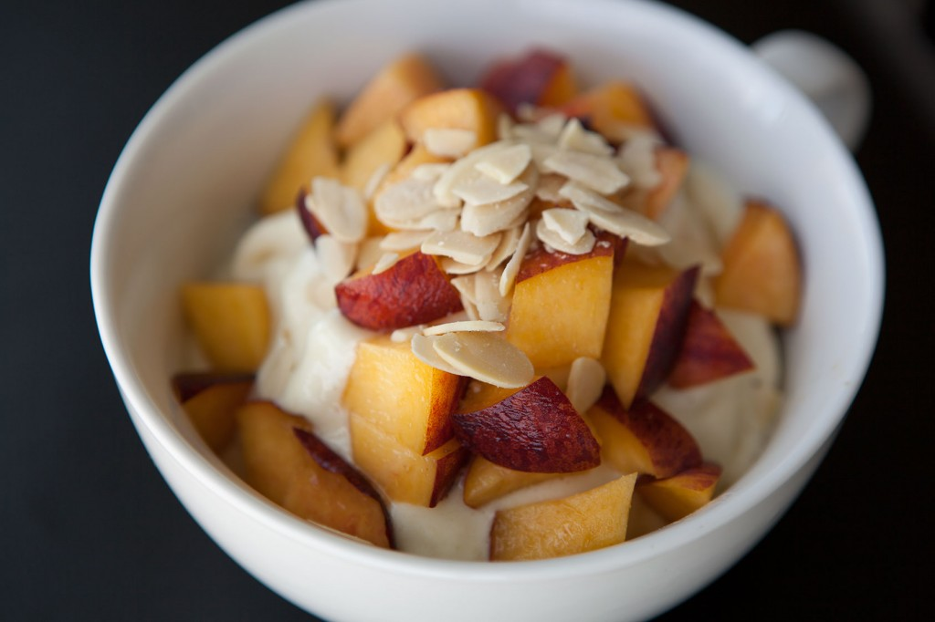 Healthy-Bowl-Pineapple-Cooler-2