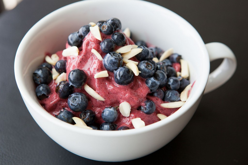 Healthy-Bowl-Berry-Galore-9