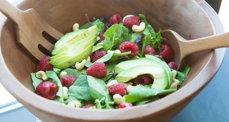Mixed Greens with Raspberries and Cashews